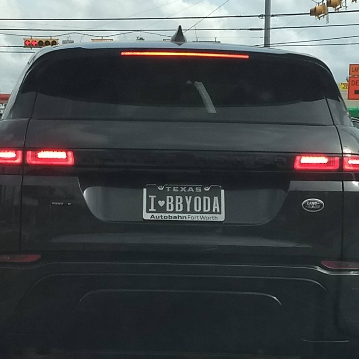 I DON'T KNOW YOU BUT BLESS YOU. #starwars #ThisIsTheWay