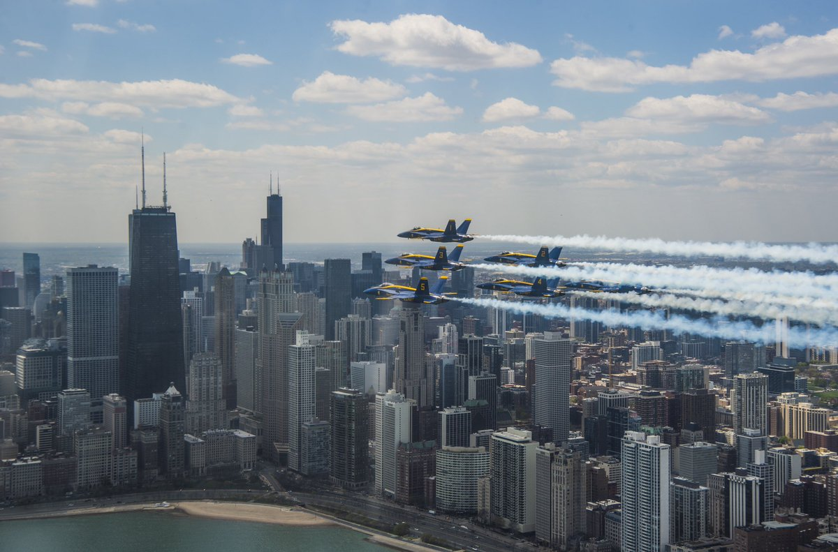 It was an incredible day flying to salute our #HealthcareHeroes, essential workers, and all affected by #COVID-19! We flew over #Detroit, #Chicago, and #Indianapolis today! (U.S. Navy photos by Lt.j.g. Chelsea Dietlin) #AmericaStrong https://t.co/JdFmebiuP2