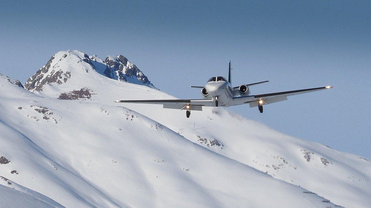 4K Video OUT NOW  on YouTube by crosswind...  #cessna #cessna550 #citation #cessnacitation #valljet #valleylanding #valleytakeoff #mountains  #snowyairport #privatejet #corporatejets #businessjet #planespotting #samedanaiport #EngadinAirport #stmoritz #samedan #aviation https://t.co/8neQCydUO1