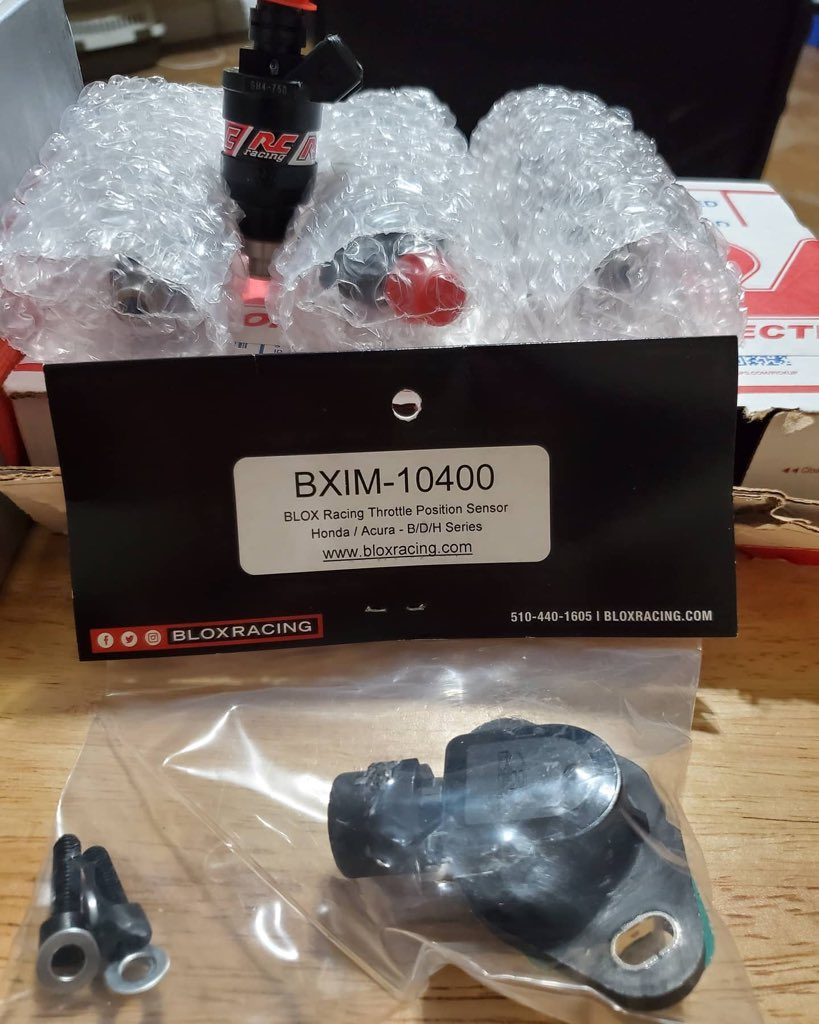 Few more parts came in today.. I'm super excited and can't wait to get the Teg running again. Huge SHOUT-OUT TO @jhpusa shipping the parts in a timely manner. @Skunk2Racing @bloxracing StreetCelebrities #putinthework #vtectuning #vtec_society #vtec_lab #tegcity #B18c pic.twitter.com/lFZfxmoExm