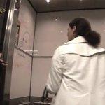 知ってた!?Amazonの社内エレベーターの壁って全面ホワイトボードらしい