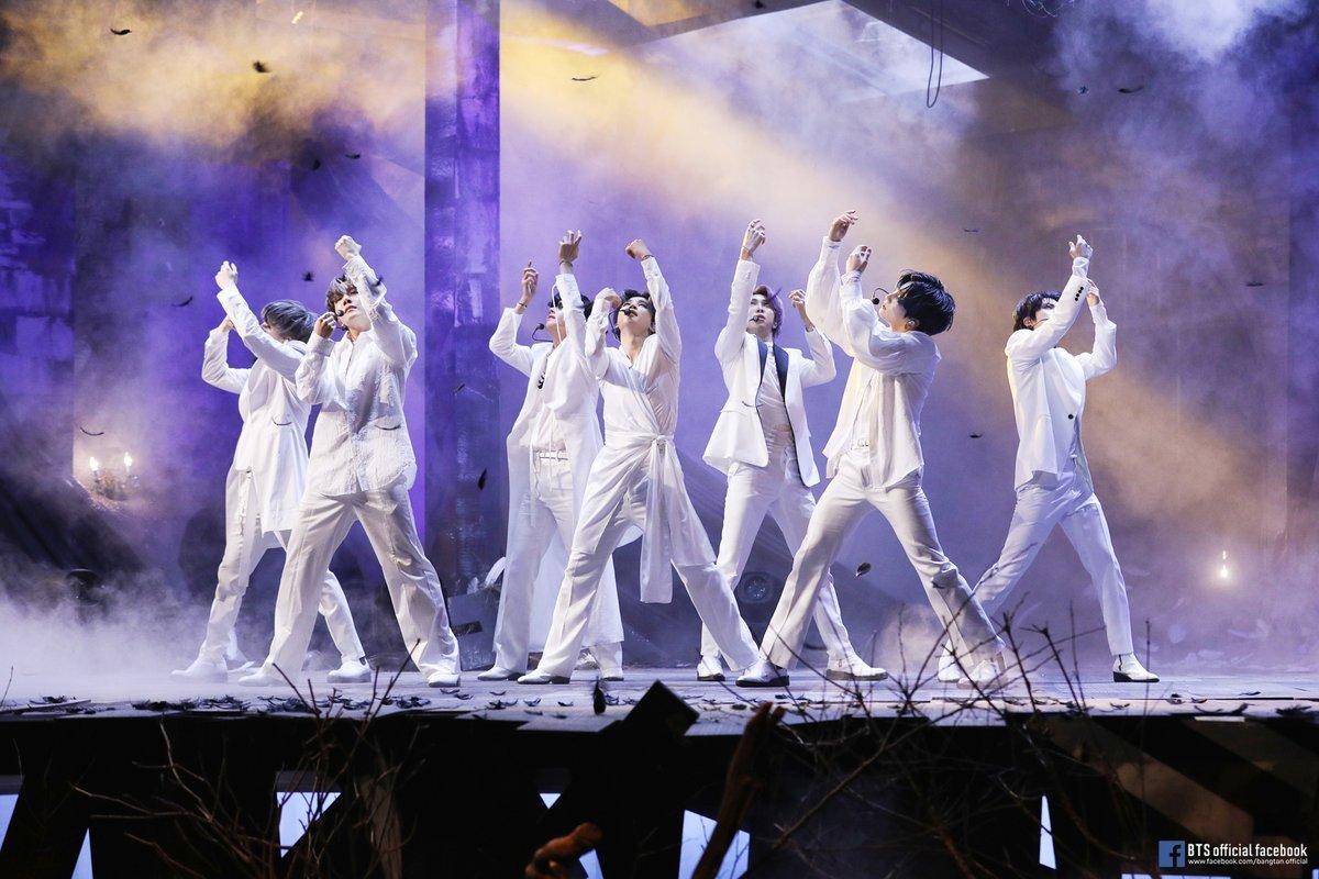 #BTS #방탄소년단 MAP OF THE SOUL : 7 Comeback Stage Behind Photo @ (facebook.com/pg/bangtan.off…) #AMB #ARMY_MISS_BANGTAN #아미방컨텐츠 #보고싶음극복
