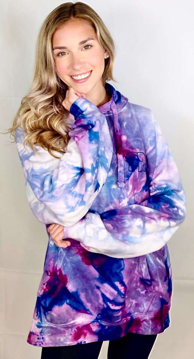 #GivaWednesday ✨Tag two friends for a chance to win our Ice Dye Oversized Hoodie! As seen on the beautiful @katiefeeneyy 🐘💕
