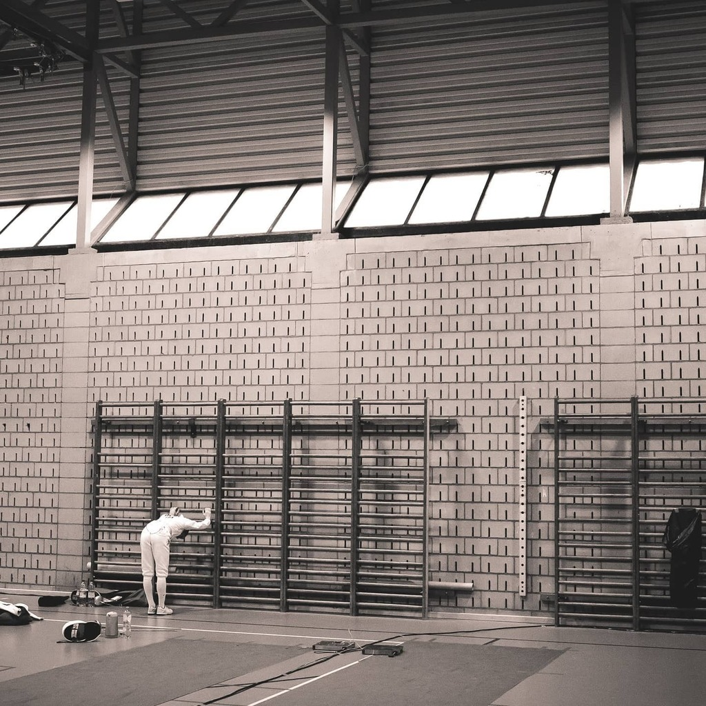 #fencing #dinant #namur #stretching #warmup #backstretch #legstretch #concentration #sportphotographer #sportgear #sports_of_our_world #hockeyseason #hockey_pictures #belgianphotographer #namur #belgiumphotographer #teamspirit #bnw_planet_2020 https://instagr.am/p/CAH7zJAH4kr/pic.twitter.com/Eb200R38yt
