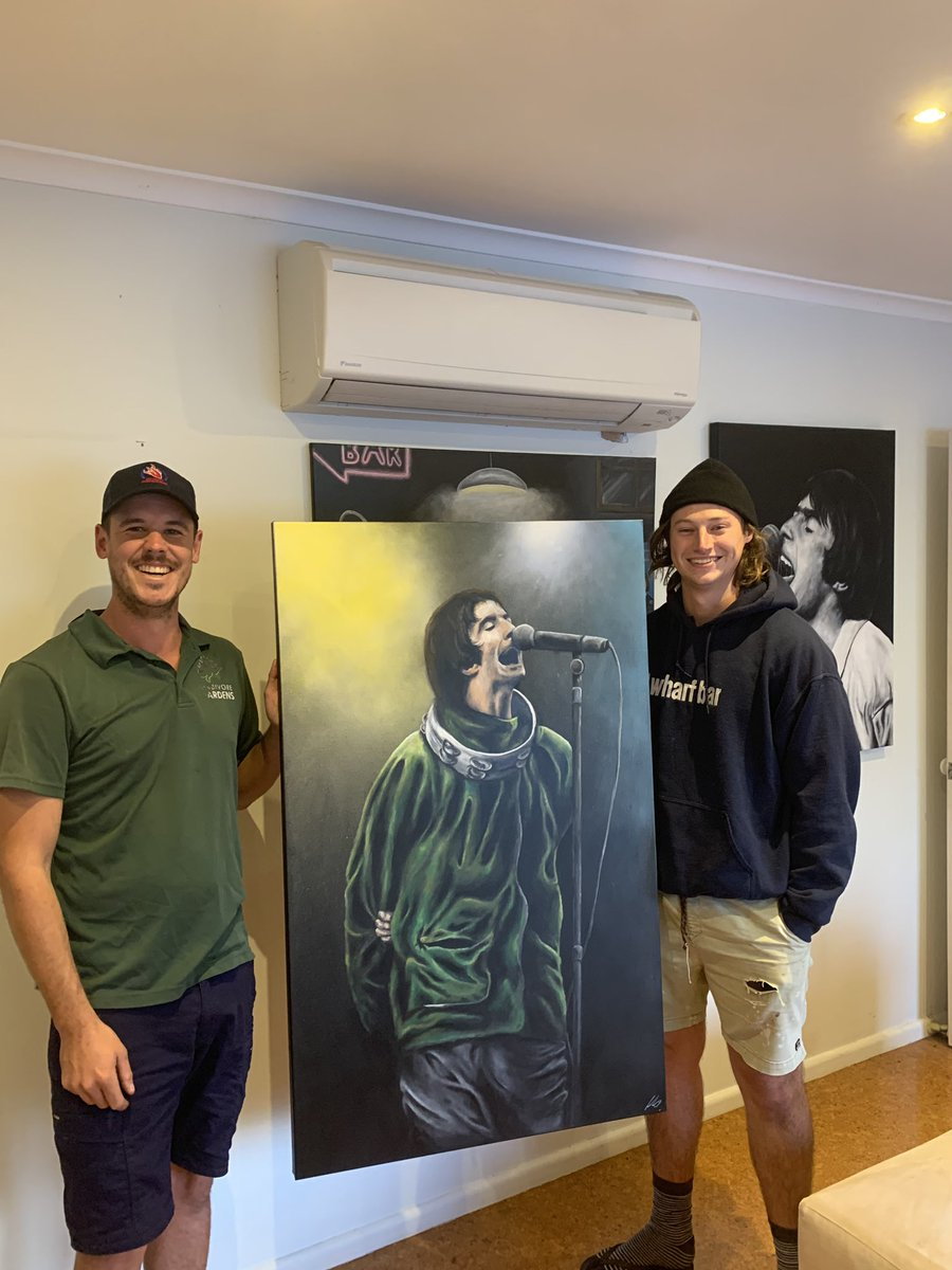 .@liamgallagher how many paintings do we need to do for you to get around us #cmon #youknow