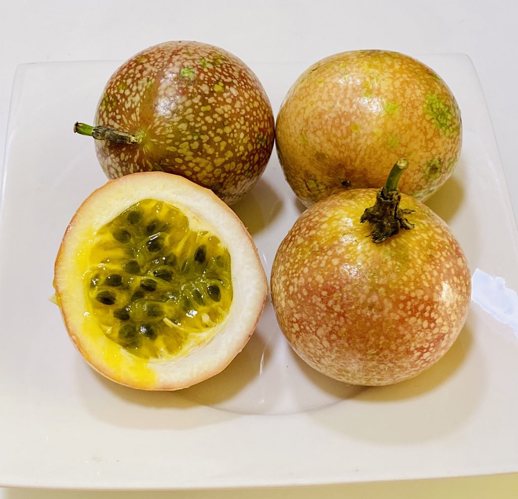 One passion fruit has;  17 calories 2 grams of fiber 6%-7% of daily recommended vitamin C 1%-2% of daily recommended vitamin A 1.6%-3.6% of daily recommended iron 1.8%-2.4% of daily recommended potassium Call Us on 0501555880 for a cup of smoothie or a bottle of juice. #COVIDー19 https://t.co/RSwiMgV2S5
