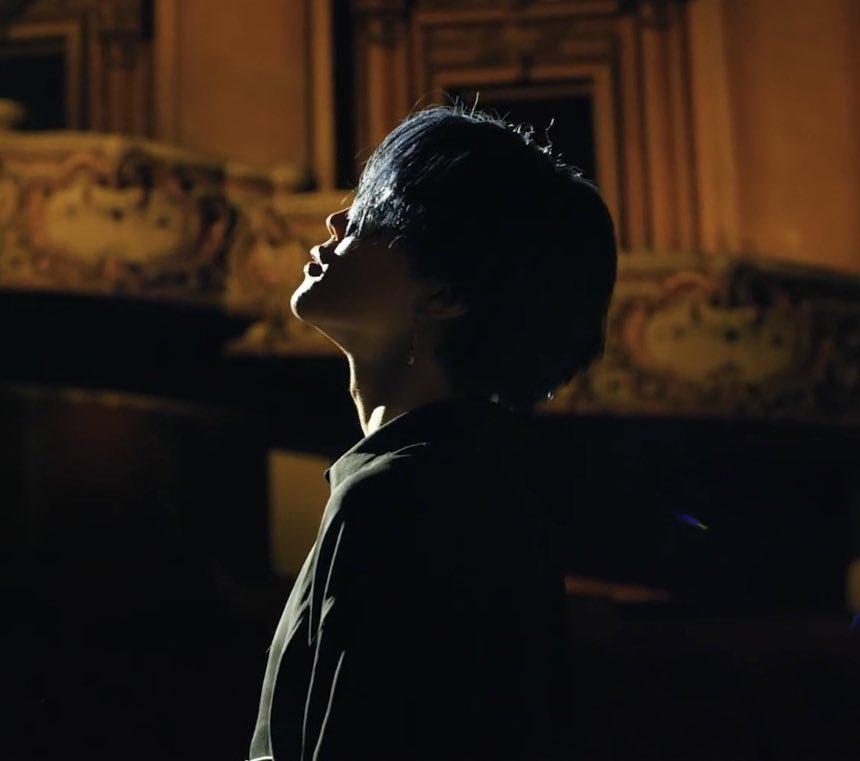jimin (black swan mv) / georges seurat, the veil, 1883  @BTS_twt<br>http://pic.twitter.com/RRfVDFj3jU