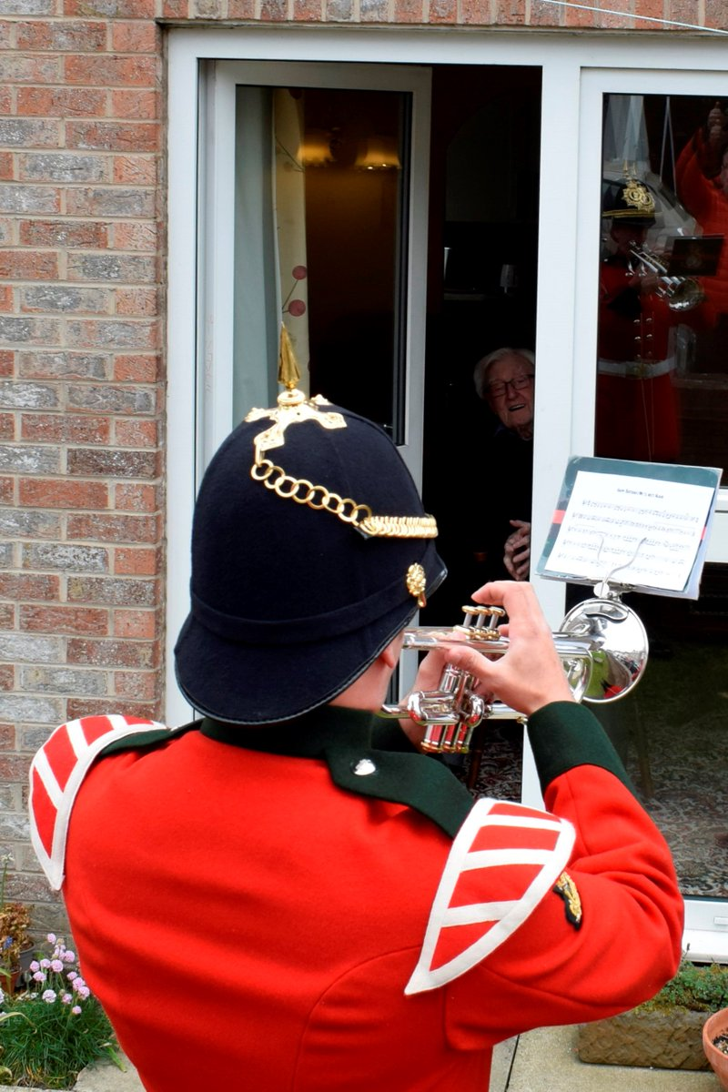 Musician Browne from the @YORKS_Band entertained WW2 Veteran David Hume on the occasion of his 100th Birthday. A former member of 14th/20th Kings's Royal Hussars, David was treated to Happy Birthday, as well as a rendition of We'll Meet Again to mark the day.