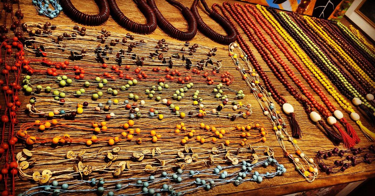 New Arrival: Açaí and Coconut disks Necklaces arrived. Also beautiful new Japamalas.  #japamala #hooponopono #meditação #japamalas #yoga #meditacao #mantras #hooponoponobrasil #mantra #namaste #zen #espiritualidade #gratidao #budismo #buda #pedrasnaturais #hoponopono #souvenirpic.twitter.com/A1ABr3oztK