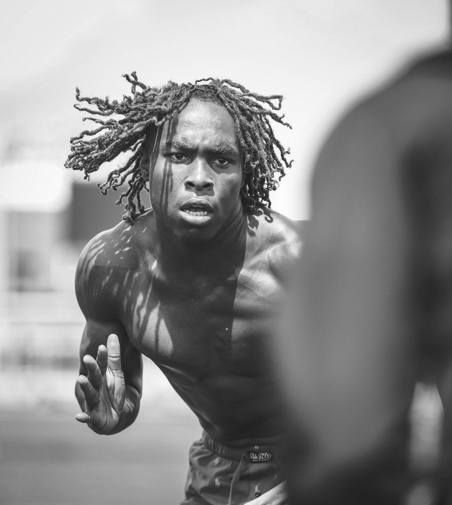 : Limitless  #sportsphotography #photooftheday #ishootsports #sportphotographer #offseason #trainingpic.twitter.com/PbJuAxkRJ8