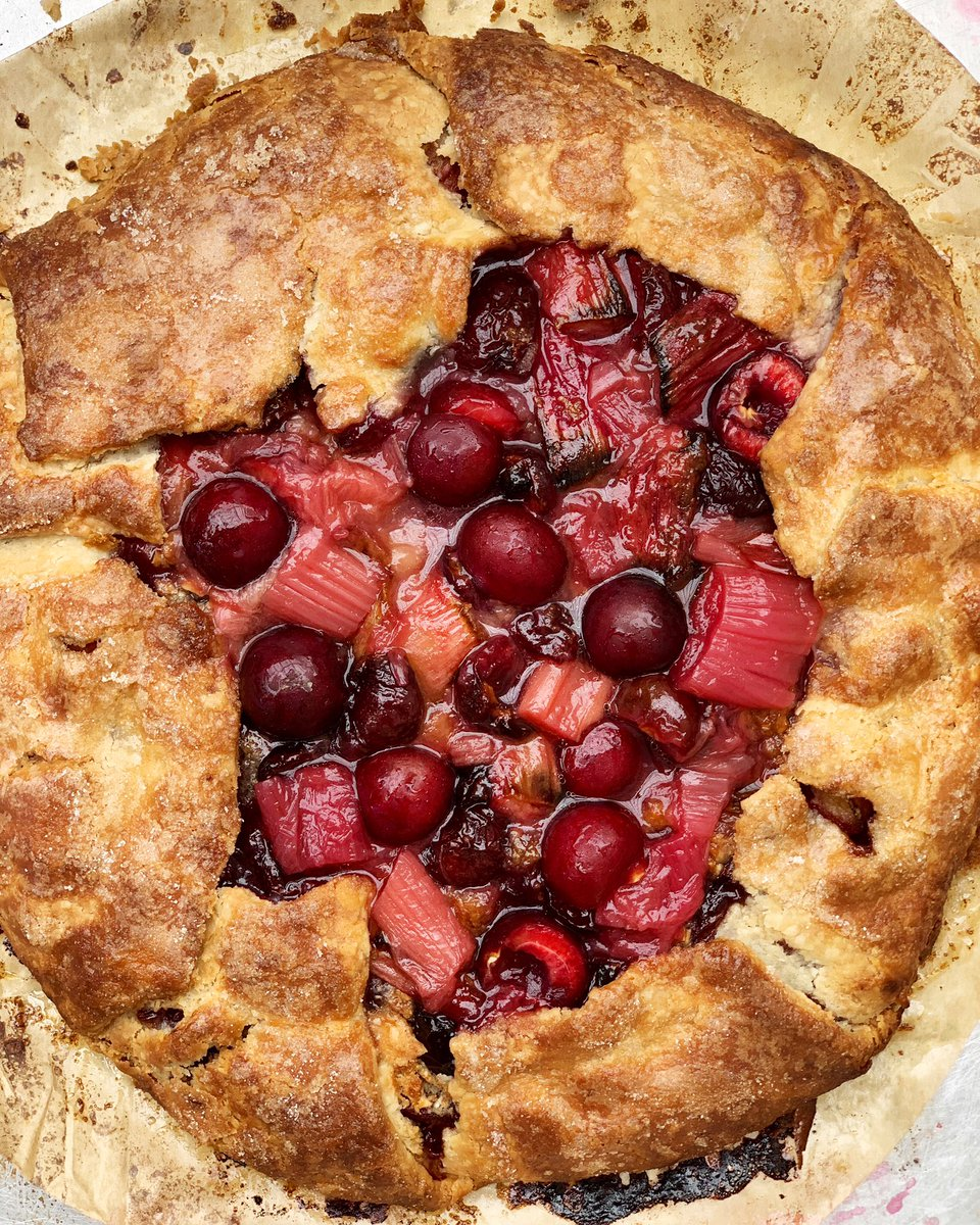 What a beauty 🍒 Cherry Rhubarb and Almond Galette from @shannon_swindle 🍒 Available Saturday &Sunday Only! Preorder yours now!  https://t.co/PKe0wTrbOK #cherrygalette #cherrypie #cherryseason🍒 https://t.co/gbd57oCOxO