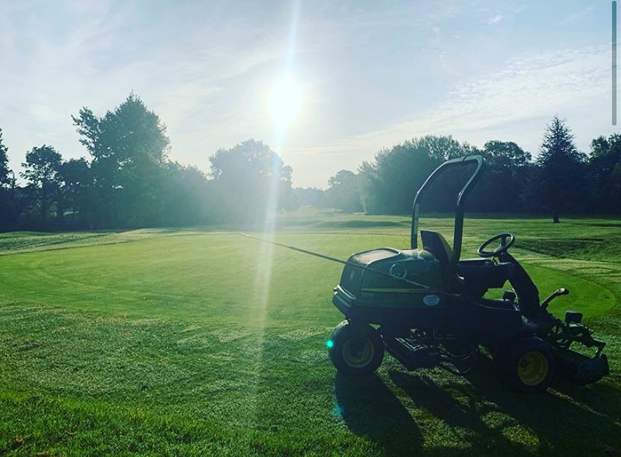 Day 2 - appreciation post for our green staff who have worked long hours to get our course in tip top condition #brookmansparkgolfclub #golflife #golf #hertfordshiregolfpic.twitter.com/EWaYyeHzsp