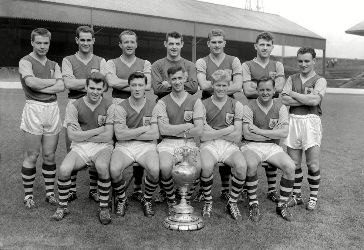 It's 60 years to the day since @BurnleyOfficial secured the First Division title. 🏆 #EFL   #StayHomeSaveLives