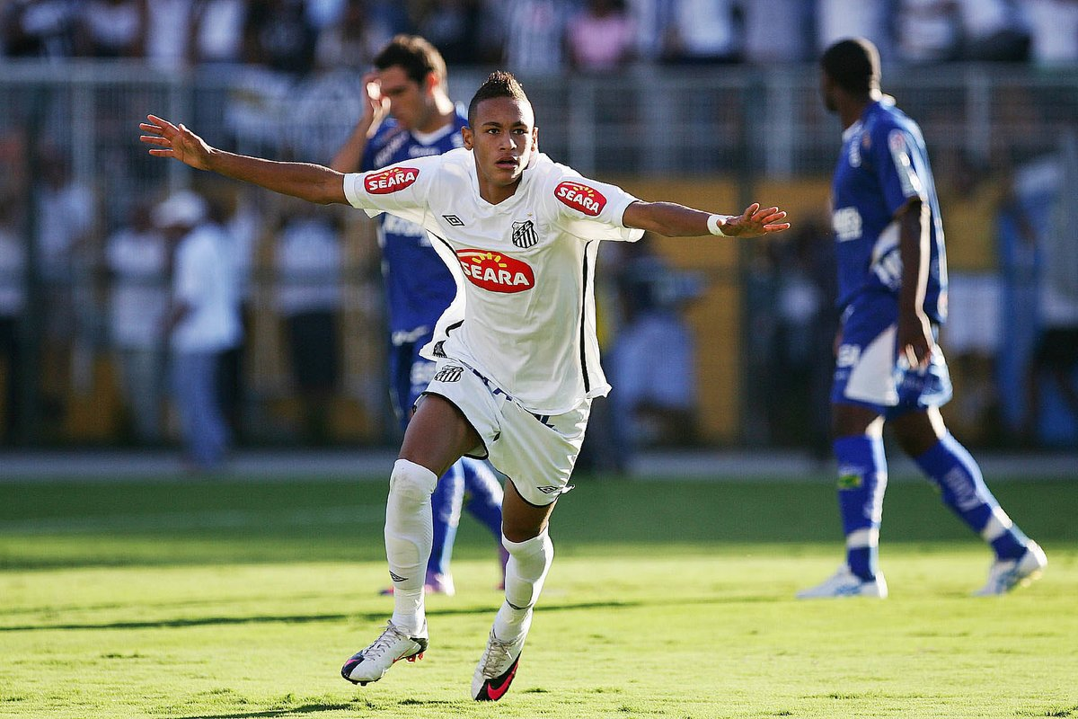 "Primeiro título de Neymar Jr completa 10 anos: ""inesquecível""🏆⚽  ➡ https://t.co/yFqpAZxPyl  Neymar Jr's first title turns 10: ""Unforgettable""🏆⚽  #neymar #neymarjr #santos https://t.co/WVA6Pb0wQj"