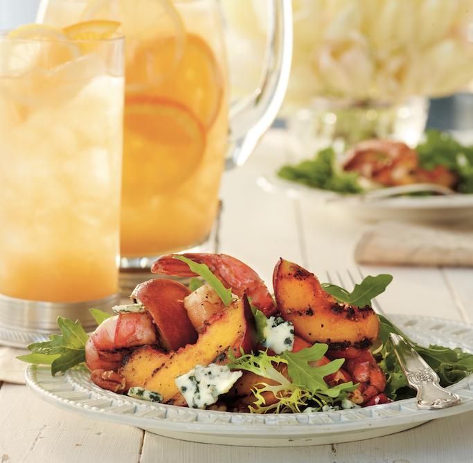 Going Green for #NationalSaladMonth? @ChefDavidGuas makes it easy to savor a seriously tasty #salad with his #GrilledShrimpSalad and #SweetTea Vinaigrette!  We recommend subbing the ripe #peaches for sweet #Apples like #HoneyCrisp! Check out the full recipe in #GrillNation! https://t.co/nlxRva690d