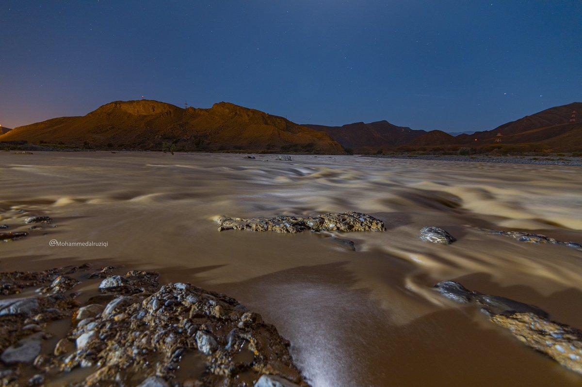 لقطات لتوثيق نزول أودية #ولاية_صور  في منطقة (مسلق)    #تصوير_ليلي : 11:00 ٢/ ٥/ ٢٠٢٠ م  ٨ رمضان ١٤٤١ هـ  #أخدود_البركات #اخدود_الكوثر #سلطنة_عمان #رمضان @WeatherOmanya @Sur_NewsNet @Metar_Oman @oman_winter @Oman_events https://t.co/jGEdC750qI
