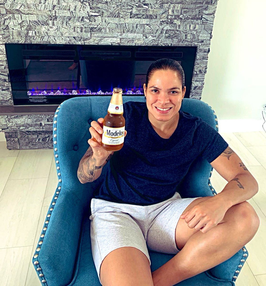 So excited @ModeloUSA is building a wave of 🥰 🥰 🥰 and 👏👏👏 for all first responders on Cinco de Mayo! Do this!! Share a 📸 or say thank you with #CincUp. For every public post using #CincUp, Modelo will donate $1 (up to $500K) to #FirstRespondersFirst!!!!! #ad https://t.co/3q3DhXqnmu