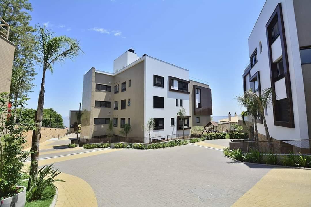 Apartamento e cobertura #AltoPadrão   Linda vista para o Guaíba    Apartamento e Cobertura.   3 ou 4 suítes   4 vagas   De 348 m² à 511m²  Sol Norte / Oeste À partir de  R$3.745.000,00  Avalia imóvel no negócio!  #zonasul #PortoAlegre #imoveis #imobiliariapic.twitter.com/HS70MUslZ2