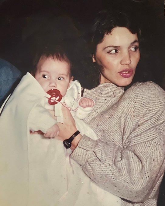 Te quiero mamá!! 💐💕  #FelizDiadeLaMadre #FelizDomingo https://t.co/DTcmHOwNTB