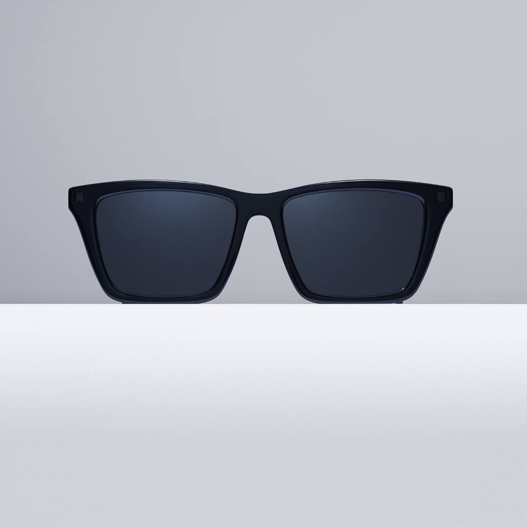 Sunglasses KISKA is a squared cat-eye shape with a clear-cut message and lots of character and edge. Available in Black/Black and more colours. https://t.co/uMKvQJfh4l (Safe shopping & free shipping) #MYKITA https://t.co/4g2LEwU5Qk