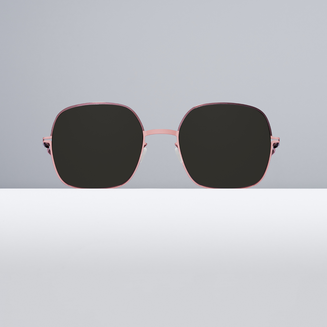 Power Shapes – MAGDA The organic silhouette of Seventies-inspired sunglasses shape empowers with a decadent mood. https://t.co/7KWN9X6RM7 #MYKITA https://t.co/gAljQDPlvH
