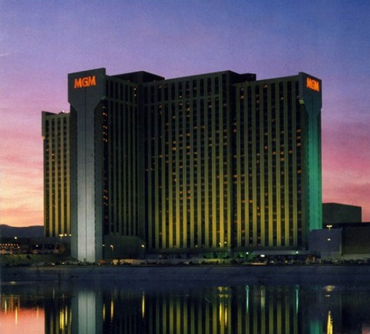 History Nevada On Twitter 131m 1 015 Room Mgm Grand Reno Hotel Casino Opened At Noon On May 3 1978 In Reno Nv It Became Bally S Reno In 1986 Then Reno Hilton In