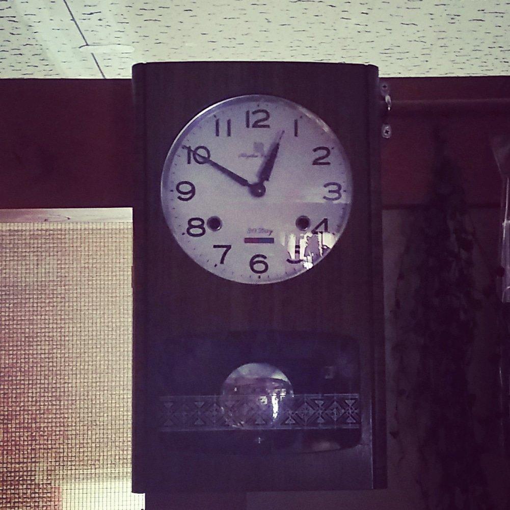 時計 が 鳴り ます ボン ボンボン