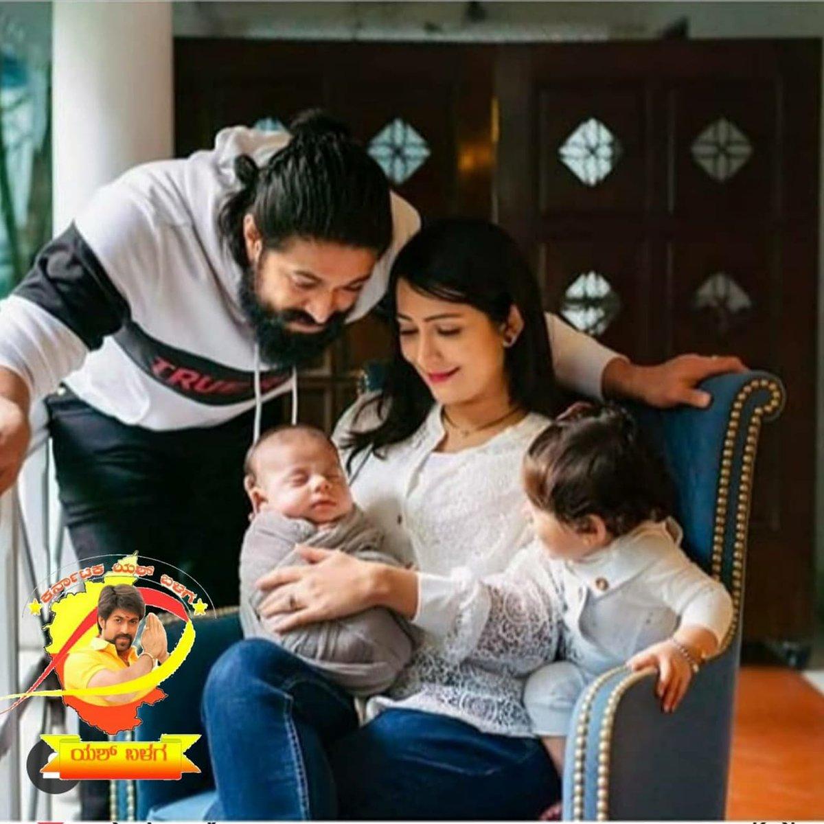 How the sweet itz @thenameisyash #radhikapandit #ayrababy #junioryash #rockingcouple #rockingfamilypic.twitter.com/56AaqWD0NZ
