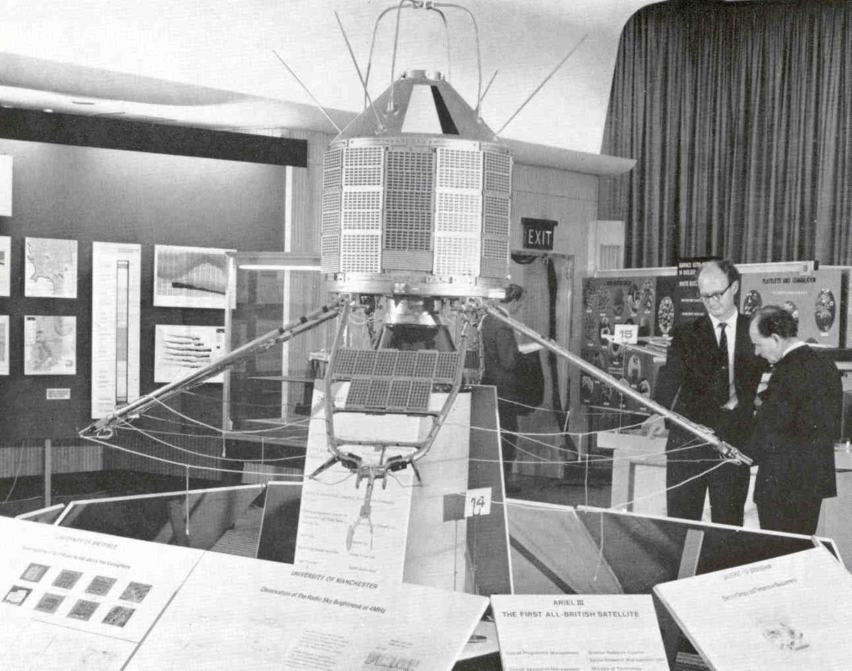 #OTD 5 May 1967, #Ariel 3, 1st artificial satellite designed & built in the United Kingdom launched on a Scout Rocket from Vandenberg Air Force Base in California @NASAhistory https://en.wikipedia.org/wiki/Ariel_3pic.twitter.com/LJVdWisvFO