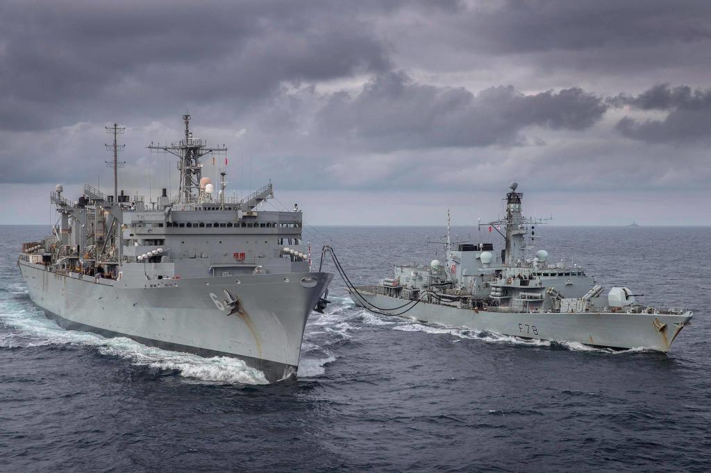 Шок кремлевских баринов - корабли НАТО вошли в Баренцево море