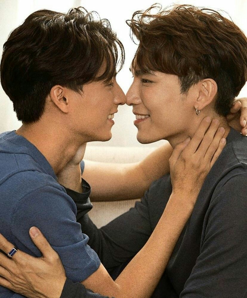 5. kissing by EYE.. you need telepathy knowledge for it which only mewgulf have! (dont try at home)