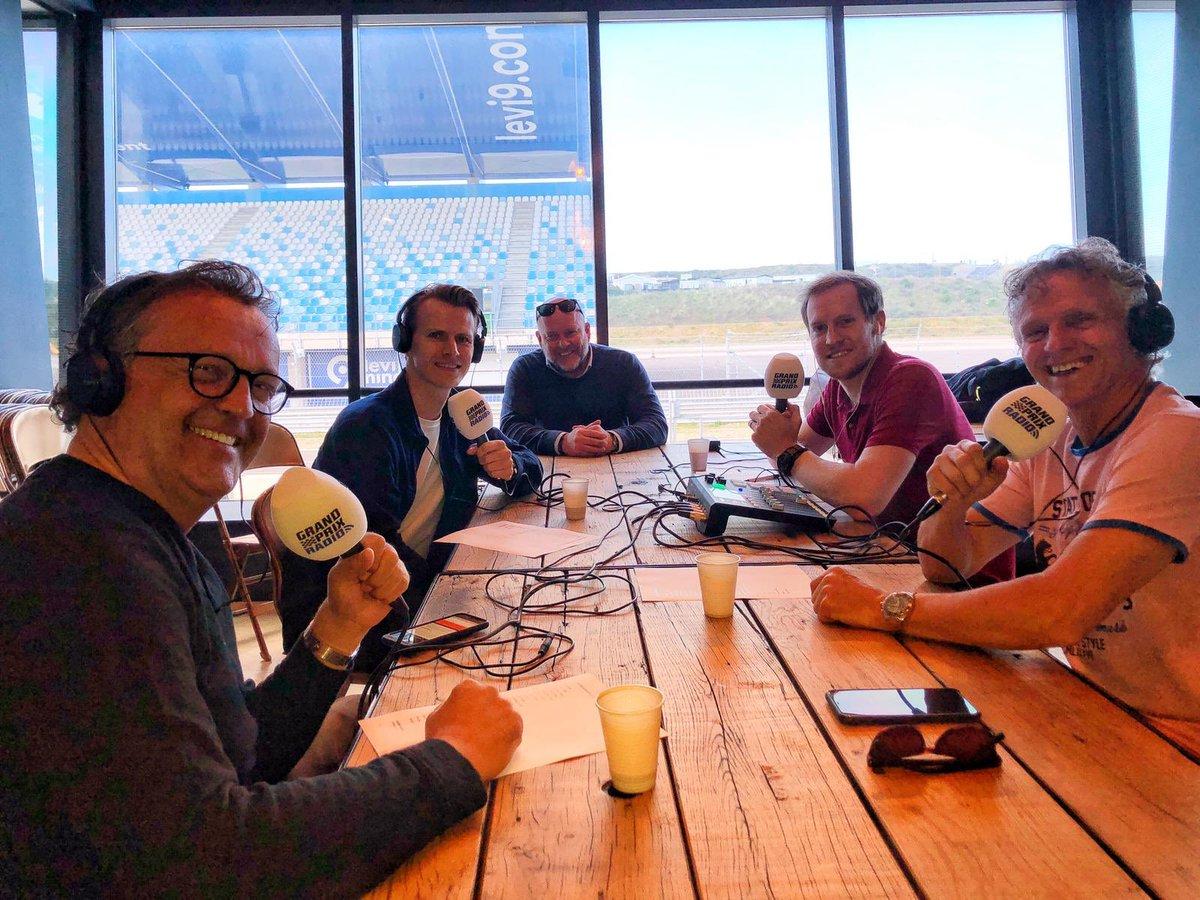 Vanaf circuitpark Zandvoort vanavond in F1aanTafel: Pitreporter Jack Plooij, coureur Jeroen Mul, Rene Hoogterp (presentatie) en Sportief Directeur Dutch Grand Prix Jan Lammers. Olav Mol zit erbij vanuit Spanje. https://t.co/c7jDjlDhiD