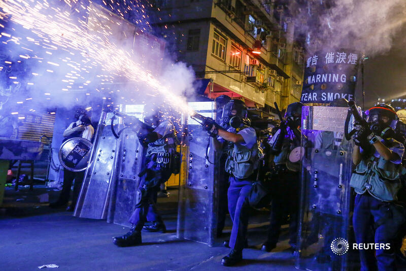 The photography staff of @Reuters has won the Pulitzer Prize for breaking news photography for its coverage of last year's violent protests in Hong Kong. More images: https://t.co/pAYehaekWl https://t.co/aAFzSEirFs