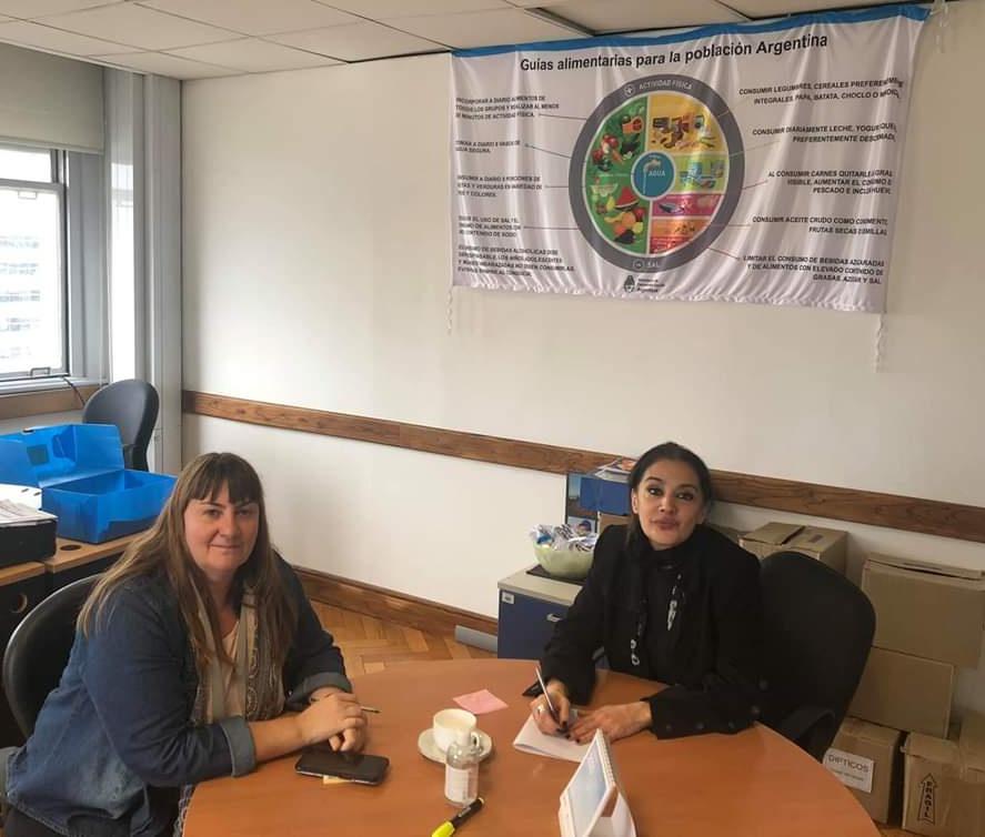 La Subsecretaria de Desarrollo Social, se reunió en el día de hoy con Mercedes Paiva, de la Dirección Nacional de Políticas Alimentarias.  👇  https://t.co/odEpiQiLoJ https://t.co/F5KKU5KeGp