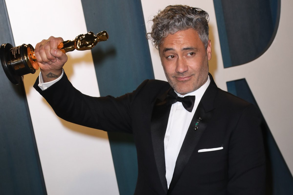 Taika Waititi will direct and co-write a new Star Wars movie