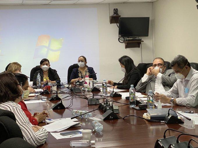 Nueva ley de cuarentena más rígida no fue abordada por Comisión de Salud