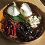Gyeh ma Súloj  yagyenchawan gyalraw!!!#oaxacalifornia #ingredients #chileguajillo #onion #garlic #vegetables #purooaxaca #oaxacainla #zapoteco 📸Antonio Nava