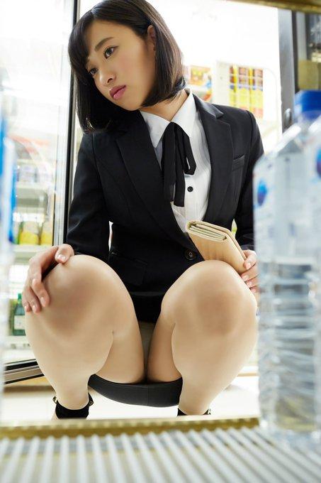 グラビアアイドル倉持由香のTwitter自撮りエロ画像23