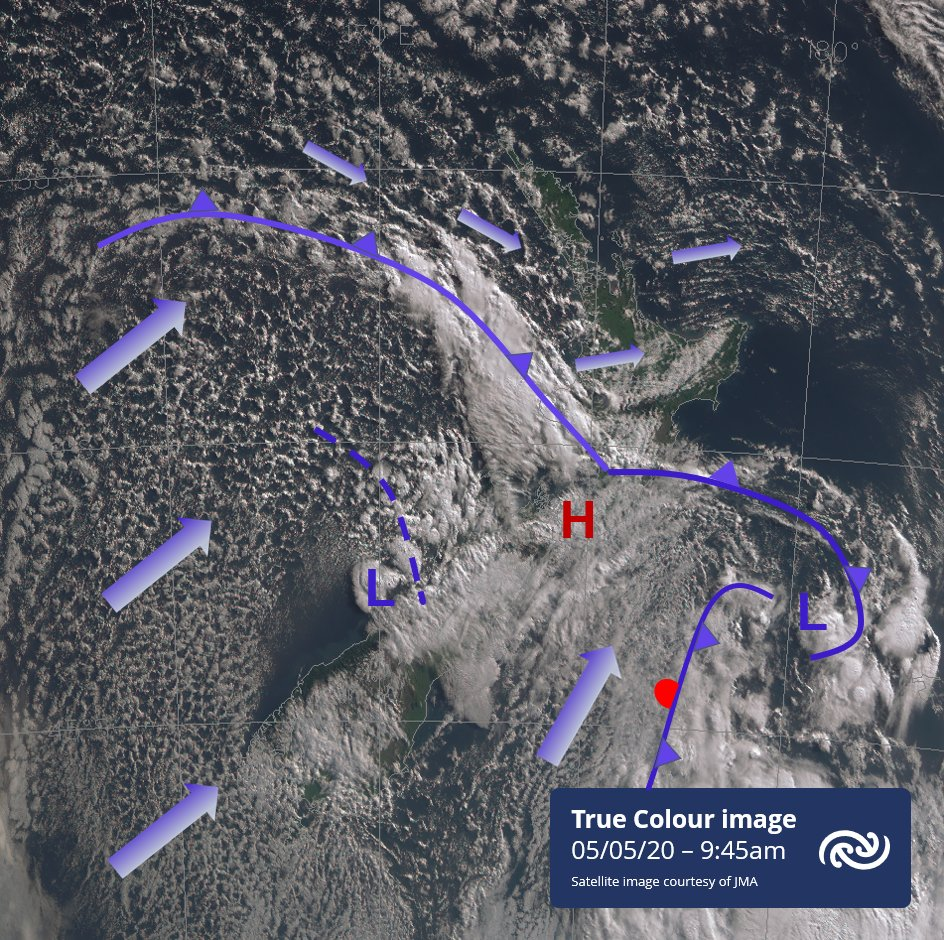 These two images show the progression northwards over the country of the cold front this morning. The satellite image shows speckled shower cloud in the cold southwest flow and wave clouds over Bay of Plenty. The radar image shows rain and lightning along the front and trough.^AB https://t.co/S9mBVBS2YK