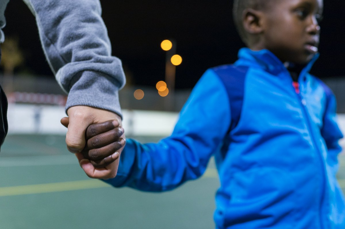 Nuestro compromiso: seguir apoyando a las familias, sea con ayudas económicas o con la donación de material escolar, y realizar un acompañamiento educativo y deportivo de los menores de los Centros #FundaciónRafaNadal. Juntos frente a la Covid-19 💙 #GivingTuesdayNow https://t.co/irwbJqHnG6