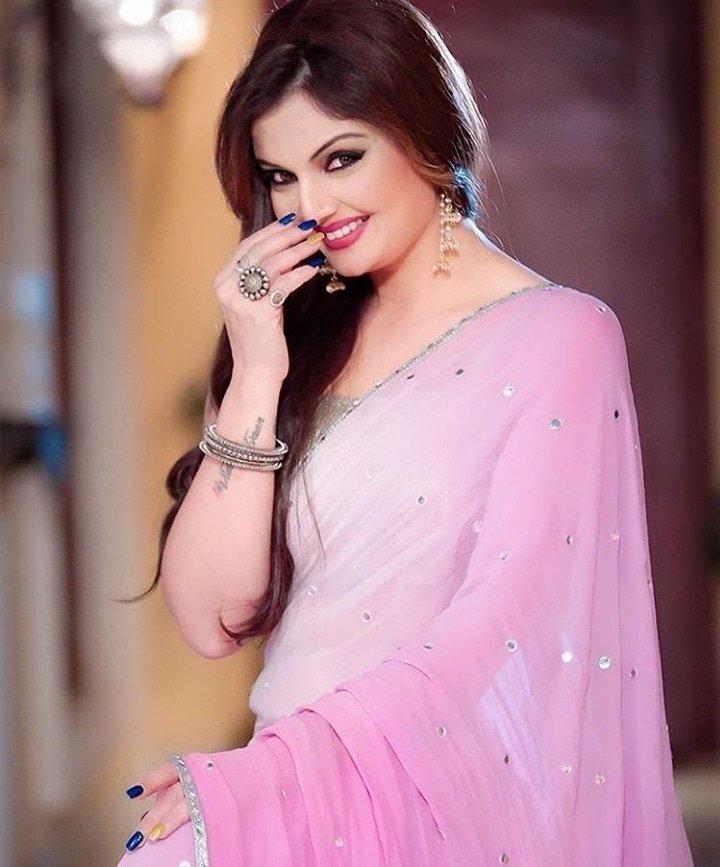 Smile with confidence Mesmerizing smile of @Deepshikha_N Smile clicked by @rajveersingh91078   #beauty #saree #sareemodel #smile #sareephotoshoot #bollywooddiva #pink #pinksaree  #pinklover #modeling #sareesofinstagram #sareelovers #sareefashionpic.twitter.com/C8fYd4o6Rm