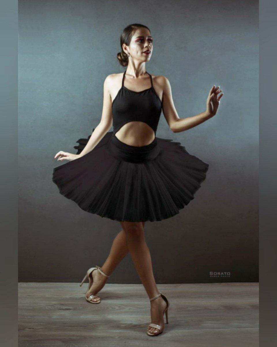 """Crecemos cuando afrontamos nuestros desafíos"" #SoratoFotografia @soratofoto Dancer: Geny Makeup: meraki_makeupartist . . . . #danza #ballet #tutu #dance #balletpost #BalletPhotography #balletbeautifulgirls #blacktutu  #dancer #ballerinaproject pic.twitter.com/rB7u3t6ydC"