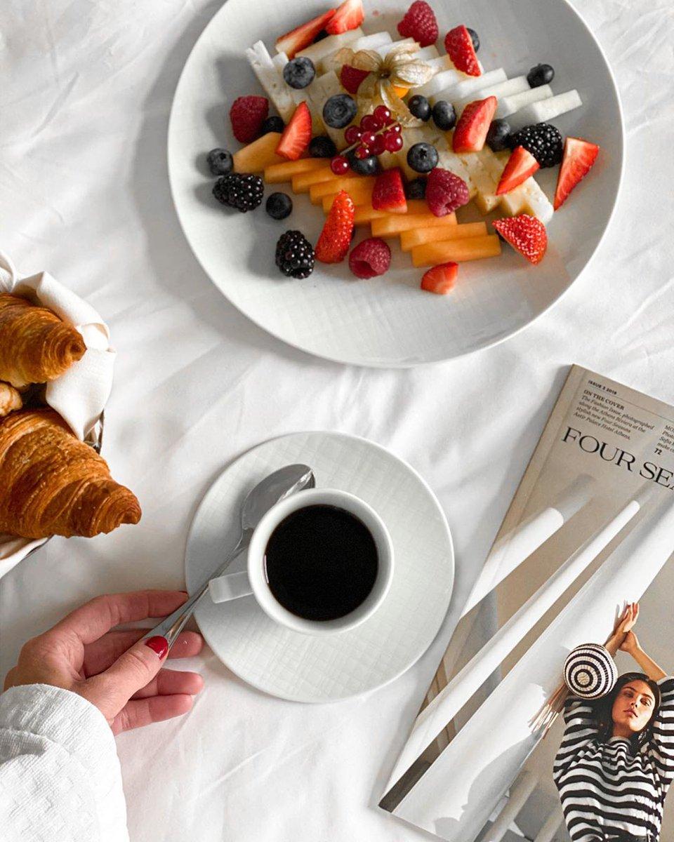 ☀️¡Buenos días!☀️ ¿qué sabores te acompañan esta mañana? Te deseamos un día increíble. @FSBudapest   #FourSeasons#MasterDish #StayHome #QuedatenCasa #FSConnectsatHome #FSContigoEnCasa https://t.co/CXQI0b49Of