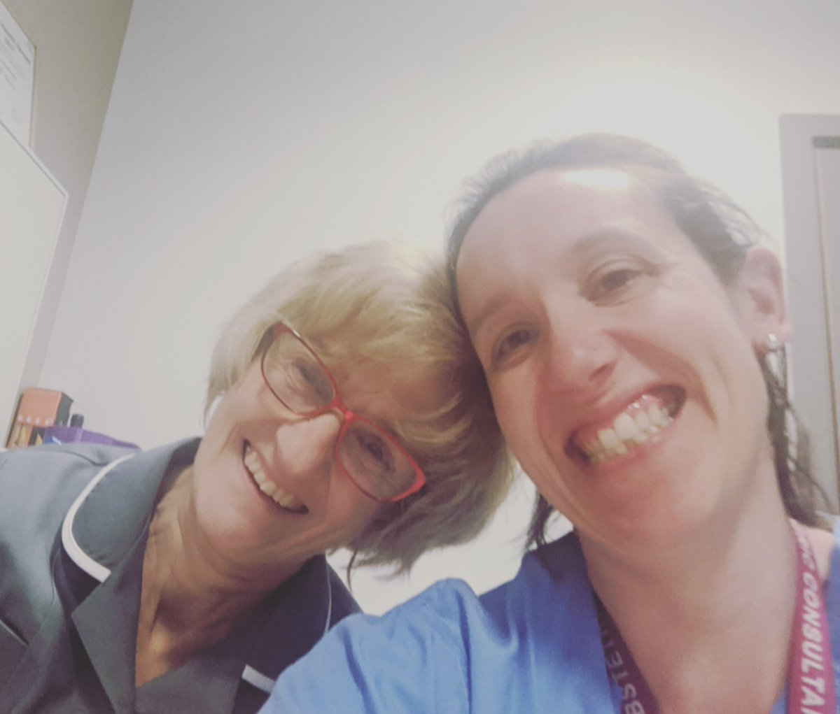 This photo with @aliherronalihe1 sums up how lucky and proud I am to have worked with, and learnt from, amazing midwives, @NHSBartsHealth and beyond. I will also be forever grateful for the fantastic midwifery care I received during my own 3 pregnancies. Happy #IDM2020 https://t.co/Z8UBOY1yhn