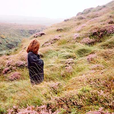 Reseñamos el nuevo disco de #NúriaGraham (@nuriagraham), el absolutamente excelente #Marjorie (@Primaveralabels / @UniversalSpain) https://t.co/tg3vm1gq16 https://t.co/etRkmGuwE8
