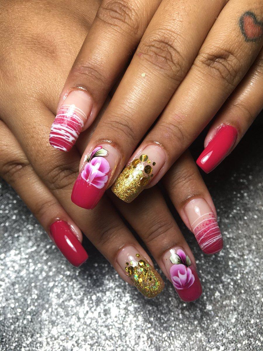 Unhas naturais! Obrigada pela confiança!  #ILoveNails #NailsDesigner #Cutilação #UnhasNaturais #Pink #Spidergel #glitter #Esfumado  #UnhasDelicadas #ManicurePorAmor #encapsuladas #Unhas #nailspic.twitter.com/xuZwxaoCuR