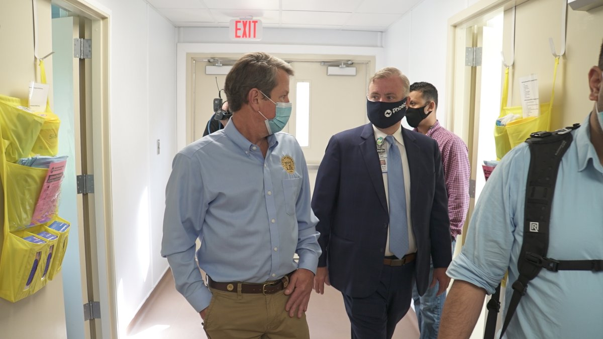 The state constructed a 24-bed modular hospital on our Phoebe North campus to treat COVID-19 patients. Today, @GovKemp  came to Albany for a special tour of the facility. Thanks to @GoveKemp & all our state leaders for their continued support. https://t.co/jZYW1KnI8F https://t.co/TIUI9XzQJz