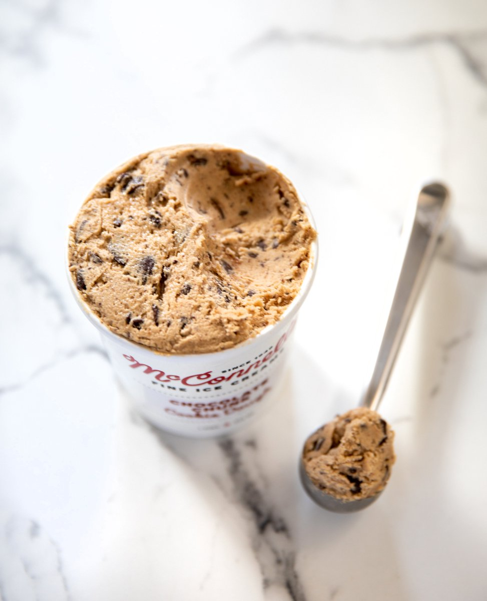 We have a limited amount of our famous, ready-to-bake Chocolate Chunk Cookie Dough left to order for doorstep shipping nationwide in our online store! 💫🥄 😋🍪    #itssogood #cookiedough #chocolatechunk #cookies #baking #mcconnells https://t.co/Acuf3PI4oO