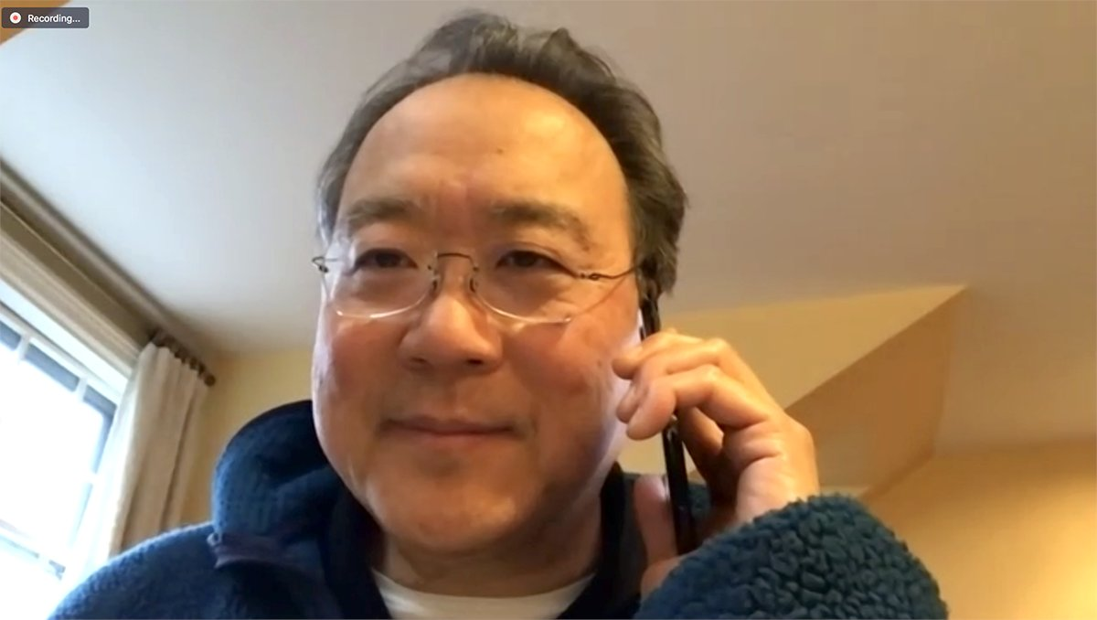 For our last Home Cooking episode, we called @YoYo_Ma for some words of wisdom & comfort. We talk about cooking food as an act of love, and the memories that creates. Thanks for joining @CiaoSamin + me as we made each other laugh through these past weeks. https://t.co/OzXj3qTK6R https://t.co/Mdgd6uDtdC