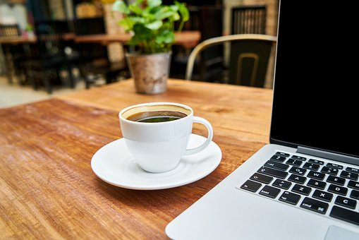 Je bent aan het overwegen ons een project te gunnen, maar wil je eerst met ons kennismaken? Maak een afspraak en kom een kop koffie drinken!
